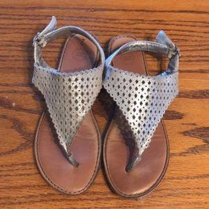 Wondernation Gold Sandal thongs girls size 2
